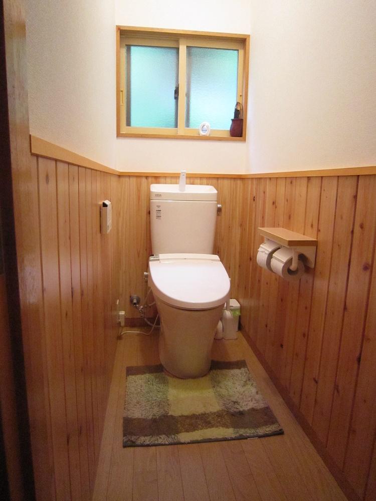 和式トイレを木の香りがする洋式といれに